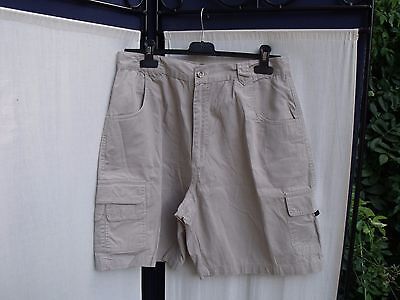 Short homme Taille 42 neuf beige avec poches