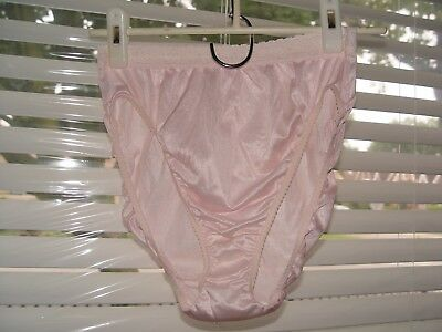 vintage warners high cut panty size 8 perfect measures nylon pink lace around wa