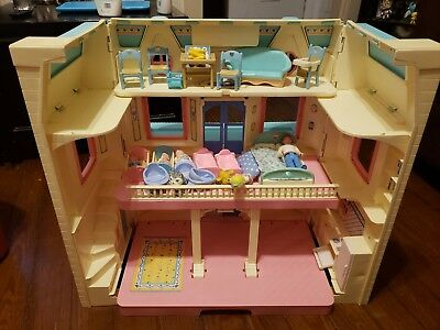 Vintage Fisher Price Loving Family Dollhouse 6364 W People And