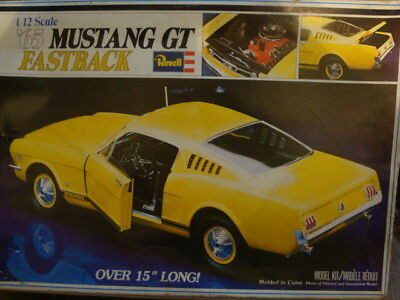 Revell 1/12 scale 1965 Mustang GT Fastback 1978 release parts missing LOOK