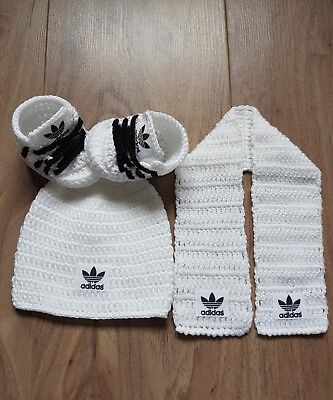 Handmade crochet baby shoes hat and scraf set for baby 0-3 months