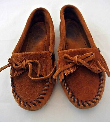3a40fe3b139a43 Womens Minnetonka MOCCASIN Fringe Moc Loafer Size 6 Brown Suede