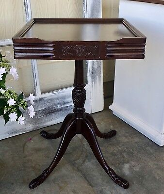 Gorgeous Mid century mahogany pedestal Table Side Table
