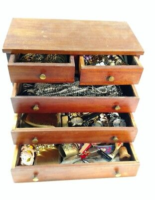 LARGE LOT Of VINTAGE MIXED JEWELRY IN VINTAGE JEWELRY BOX UNSEARCHED UNTESTED