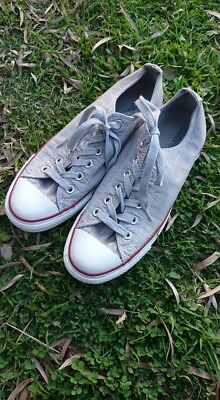 Converse Shoes Size 8 Ladies/ Size 6 Mens Silver sparkly