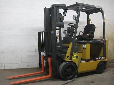 CATERPILLAR ELECTRIC FORKLIFT - 3 STG MAST, 5000# cap, Low Hours, Good Condition