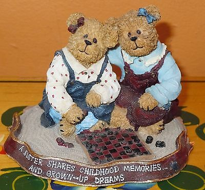 L@@k Boyds Bears Ava & Rae Ann Rainy Afternoon # 2277983 Store Display Gift Shop