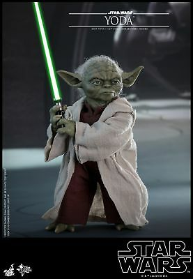 Hot Toys Star Wars Episode II: Attack of the Clones 1/6th Yoda Figure MMS495