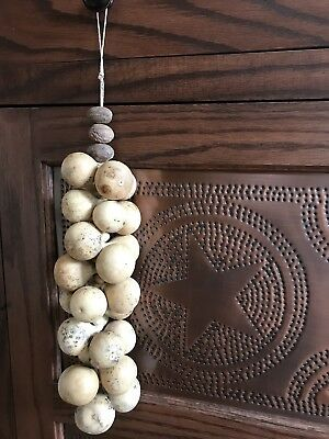Primitive Gourd Garland, Gourd and nutmeg cluster