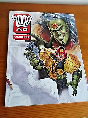 2000 ad yearbook  fleetway editions judge dredd 1994