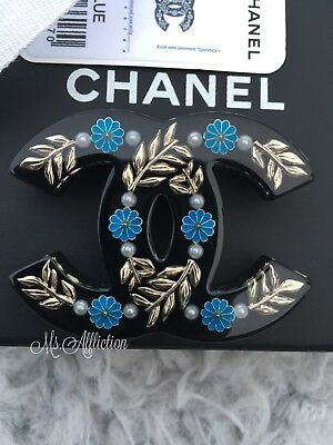 e9a64a9ea21d CHANEL NWT 2018 Pop CC Pearl Brooch Pin New w/ Tag Large Authentic ...