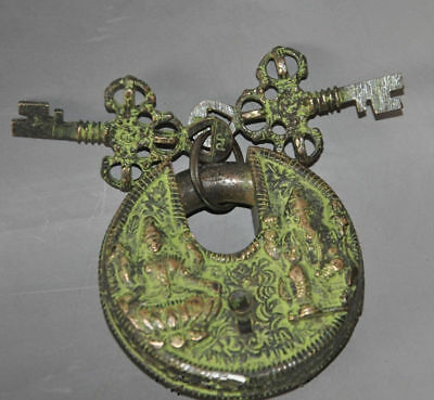 China's old Tibetan Buddhism bronze god locks lock the key figure of Buddha //