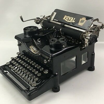 1921 Black Royal No 10 Portable Typewriter Dual Glass Panel  SN: 591202