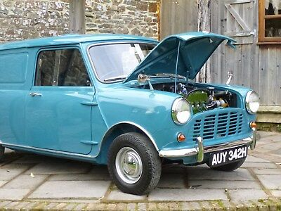 Classic Mini Van With Factory Fit Rear Seats ** Outstanding Condition**