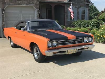 Road Runner -- 1969 Plymouth Road Runner  Monaco Orange hard top 383 Automatic