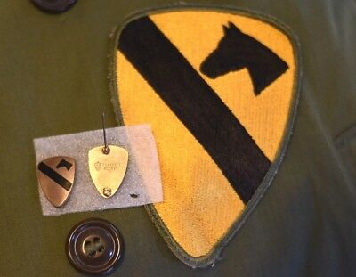 Wwii Original Us Army 1St Cavalry Division Dui Pair And Patch, Very Nice!!