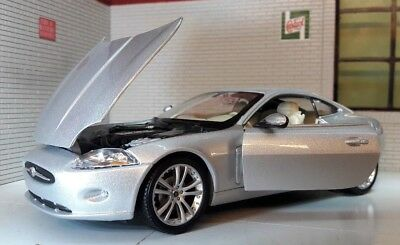 Jaguar XK Coupe Silver Welly 1:24 Scale Diecast Detailed Model Car 22470