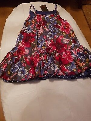 Catimini girls floral summer dress. Age 5years.
