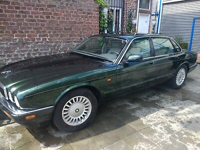 a vendre Jaguar XJ6 executive