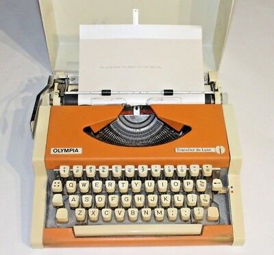 Olympia Traveller De Luxe Vintage Retro Typewriter Type Writer With Case