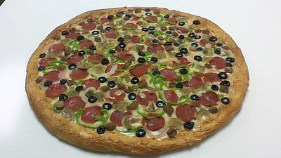 "18"" Realistic Pizza Fake Food For Restaurant Display. Plastic Pizza Combo NEW."