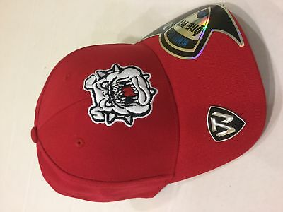 official photos d4a5c 3d83c Top Of The World Men s Fresno State Bulldogs Prime Fitted Stretch Fit Cap  RED
