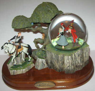 Walt Disney Sleeping Beauty & Prince   Snow Globe Rare Vintage Musical Storybook