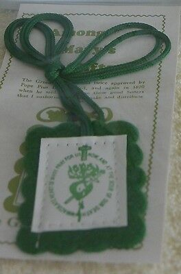 Long Cord Green Scapular with leaflet (1pcs)