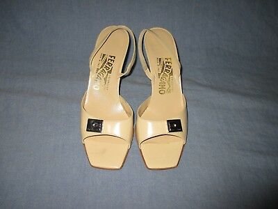 05acd70803b SALVATORE FERRAGAMO Cream Leather slingback Heel Sandal 7.5 AA ...
