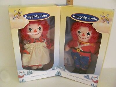 Adventures of Raggedy Ann and Raggedy Andy Christmas Holiday Dreamland Boxed Set