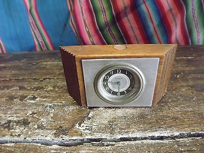 Small Vintage American 1950S Mantel Clock Newheaven Not Working Over Wound ?