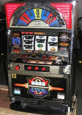 Rare Pachislo Spin Luck Slot Machine / 500 Tokens / 297 Pg Manual