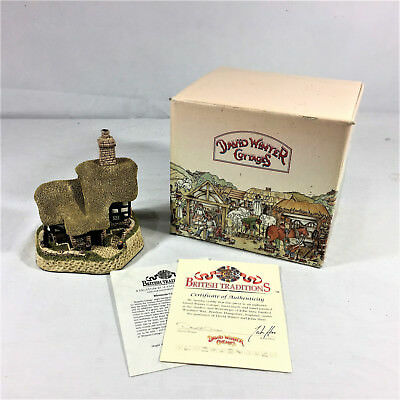 David Winter May Brittish Traditions Blossom Cottage 1989 Hand Made John Hine