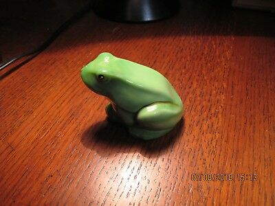 Fenton Giftware Green Frog Paperweight Figurine New