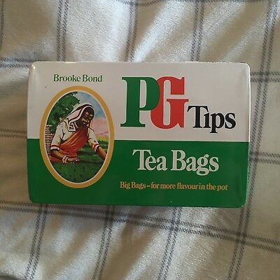 Vintage PG Tips Tin / Brooke Bond Big Bags Decor Collectable