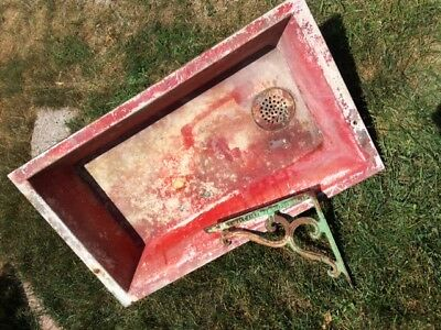 FABULOUS 1920s CAST IRON SINK, w/2 GORGEOUS BRACKETS, HOLDS WATER, TOO BOOT!