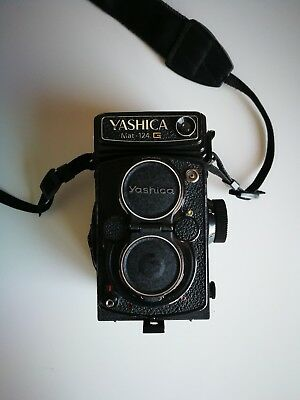 Yashica Mat 124G Medium Format TLR - Excellent condition. 80mm f3.5