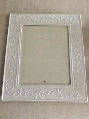 "Lenox Opal Innocence 8"" x 10"" Carved Picture Frame - Excellent Condition!"