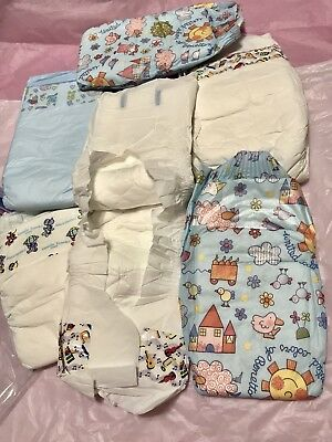 6 vintage/collectable plastic disposable diapers