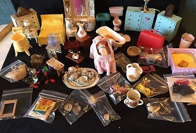 Lot of Nice Vtg.Miniature Doll House Mixed Furniture ,Bedroom,Babys, Bath ,Misc.