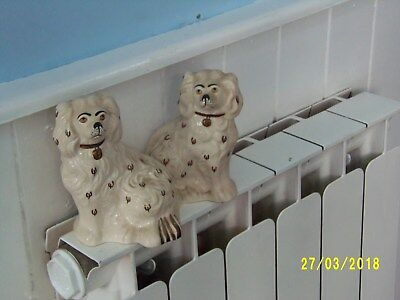 Vintage Pair Of Kings Charles Cavailer Dogs. 1930/40s. Beswick mantle dogs.