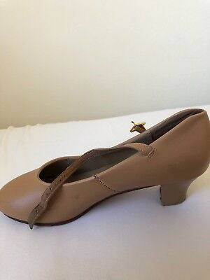 Women's Character Shoes Size 7.5