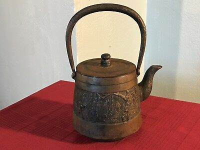 Vintage Cast Iron Kettle w Lid Great Antique Patina Fly Fishing w Frog Gig GC NR