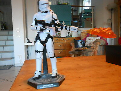 """HOTTOYS / SIDESHOW  STAR WARS 1/6  """" Flametrooper """"    TOPZUSTAND MIT SHIPPER"""