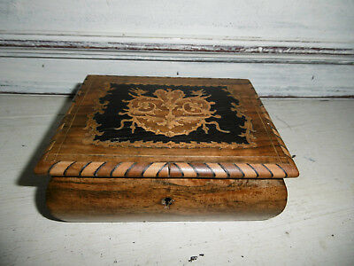 Vintage Sorrento Ware box inlaid box with pink quilted lining