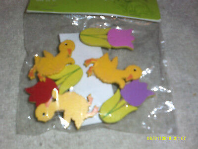 Decorative Clips*3 Baby Ducks and 3 Tulips*Wooden*Many Uses*NEW in PKG