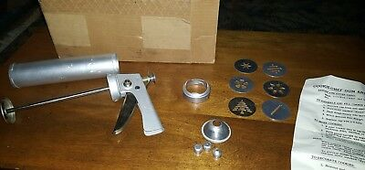 VINTAGE COOKIE CHEF TRIG-A-MATIC COOKIE PASTRY GUN DECORATOR complete