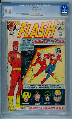 THE FLASH #213 (March 1972) 9.6 NM+ (CGC) Off-White Pages