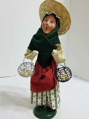 """Byers' Choice Carolers CRIES OF LONDON """"WOMAN SELLING FRESH EGGS"""", 2009"""
