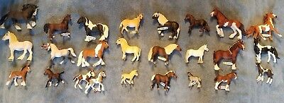 Lot of 24 Schleich horses, family sets